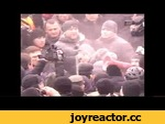 Кличко получил в лицо из огнетушителя 19.01.2014,News,,Когда между молодыми людьми с палками в руках и силовиками началась драка, лидер «УДАРа» вышел вперед и пытался разнять разъяренных митингующих. Когда люди отошли от оппозиционера, неизвестные брызнули из огнетушителя ему в лицо. Кличко с ног до