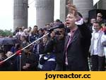 """Ляшко співає """"Путін ху@ло"""",Travel,,Кандидат у президенти України, лідер Радикальної партії Олег Ляшко заспівав речівку """"Ультрас"""" на Майдані в Тернополі"""