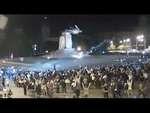 В ХАРЬКОВЕ СНЕСЛИ ПАМЯТНИК ЛЕНИНУ! ШОК! 28.09.2014,Comedy,,28 сентября после многотысячной акции в поддержку единства Украины группа активистов пришла к памятнику Ленину на площади Свободы. Люди повалили его спустя четыре часа.  Сначала ноги железного монумента распилили болгаркой, после чего тросом