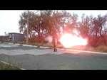 """Ополченцы из гранатометов разнесли бензозаправку / Militias smashed gas station,People,,Ополченцы Новороссии из батальона """"Восток"""" тренируются в стрельбе из гранатометов РПГ-7 и """"Муха"""" по бензозаправке """"Торнадо"""" расположенной между Донецком и Авдеевкой на Ясиноватском шоссе. Pro-russian militias bat"""