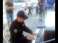 Полицейский Украины на пианино,People & Blogs,,