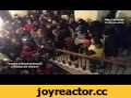"""Нічне захоплення Львівської міліції, прокуратури, СБУ та внутрішніх військ - 19.02.2014,People & Blogs,Львів,Нічний штурм міліції,Захоплення прокуратури,Євромайдан,Революція,Роман Савчак,Народ має право на захист та повстання, коли зброя звернена проти нього! -------------------- """"Відеосюжет із хрон"""
