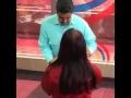 """Nicolás Maduro baila salsa al estrenar programa,News & Politics,Nicolás Maduro,El presidente de Venezuela, Nicolás Maduro, estrenó su programa radial """"La Hora de la Salsa"""", y en la primera emisión se levantó para bailar con su esposa Cilia Flores, mostrando sus """"habilidades"""" en el baile, mientras el"""